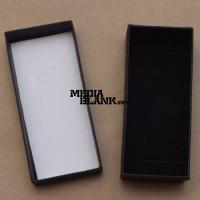 Cutie din carton cu capac pentru memorie USB neagra