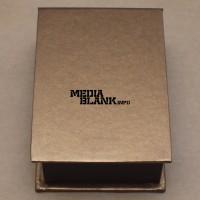 Cutie din carton maro-auriu pentru memorie USB